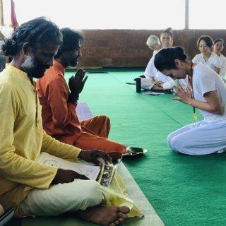 朝ヨガ Zoom オンラインレッスン 〜インドの伝統的なヨーガ〜
